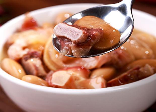 宣威火腿猪蹄白芸豆的做法