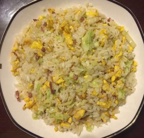 火腿鸡蛋炒饭怎么做